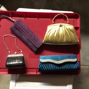 Lot of 4 small clutches.